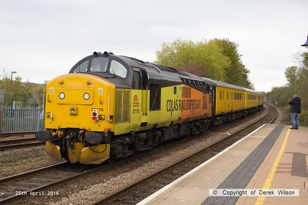 160425-034     Network Rail test train 1Q05, 08.34 Derby R.T.C. to Derby R.T.C. is captured passing through Mansfield Woodhouse, powered by Colas Rail class 37's no's 37421 & 37175, in 'top & tail' mode.