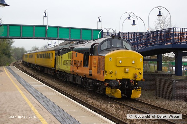160425-031     Network Rail test train 1Q05, 08.34 Derby R.T.C. to Derby R.T.C. is captured passing through Mansfield Woodhouse, powered by Colas Rail class 37's no's 37421 & 37175, in 'top & tail' mode.