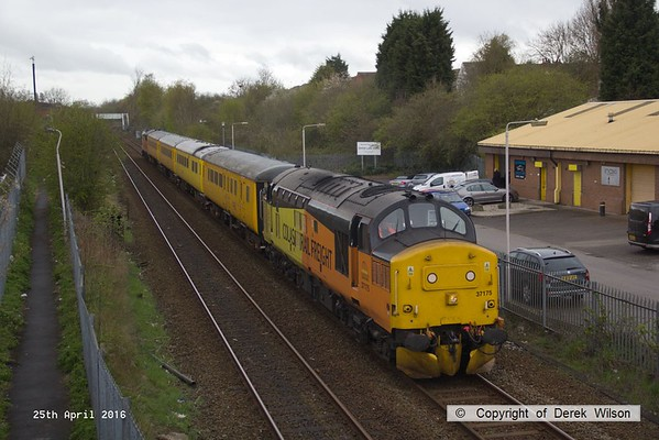 160425-003     Network Rail test train 1Q05, 08.34 Derby R.T.C. to Derby R.T.C. passes Tenter Lane, Mansfield, powered by Colas Rail class 37's no's 37175 & 37421, in 'top & tail' mode.